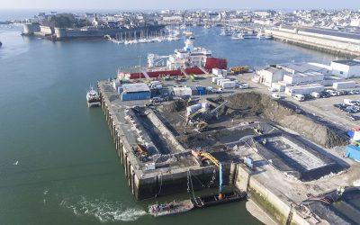 Dragage et traitement des boues . Port de Concarneau (29)